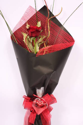 Red Rose & Chocolate Heart